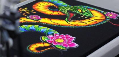 ¿Qué técnica puedo utilizar para personalizar las prendas?